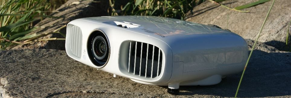 Testissä Epson TW6100W – 3D Videotykki