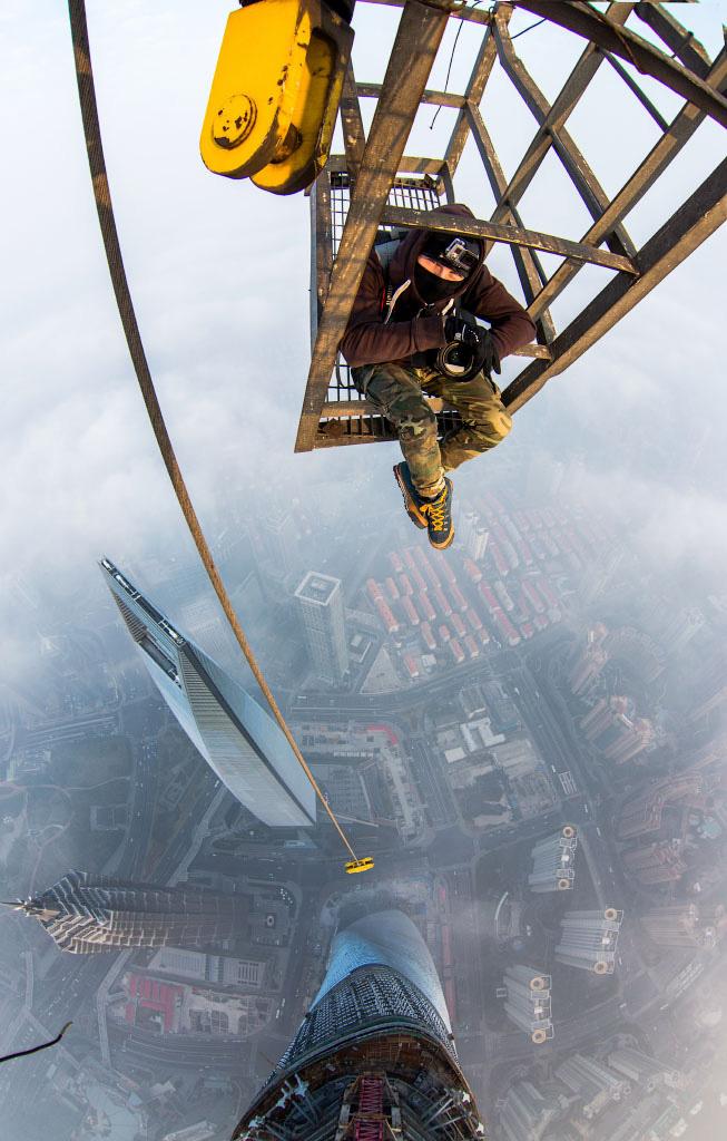photos from shanghai tower climb vitaliy raskalov (2)