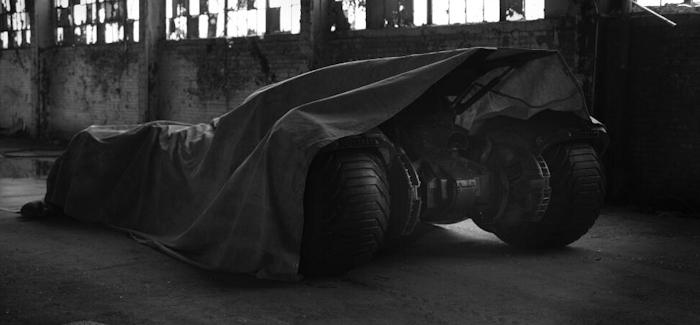 Katso: Tältä näyttää seuraava Batman ja hänen ajoneuvonsa