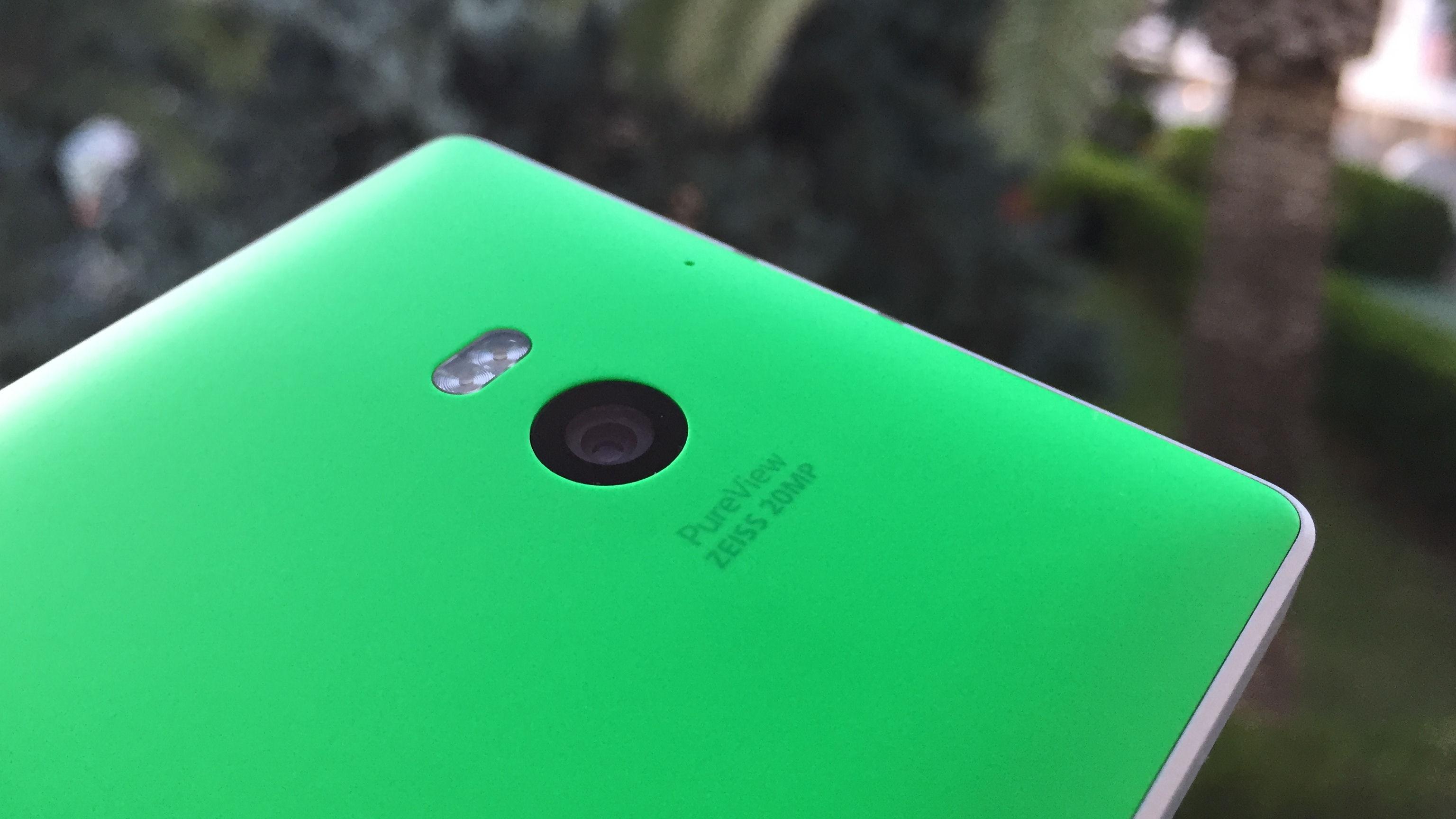 lumia-930-fullwidth-2