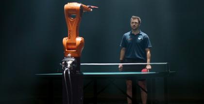 robotti-vastaan-ihminen